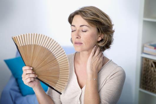 Pana cand se manifesta bufeurile la menopauza