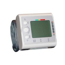 Tensiometru electronic cu masurare la incheietura mainii