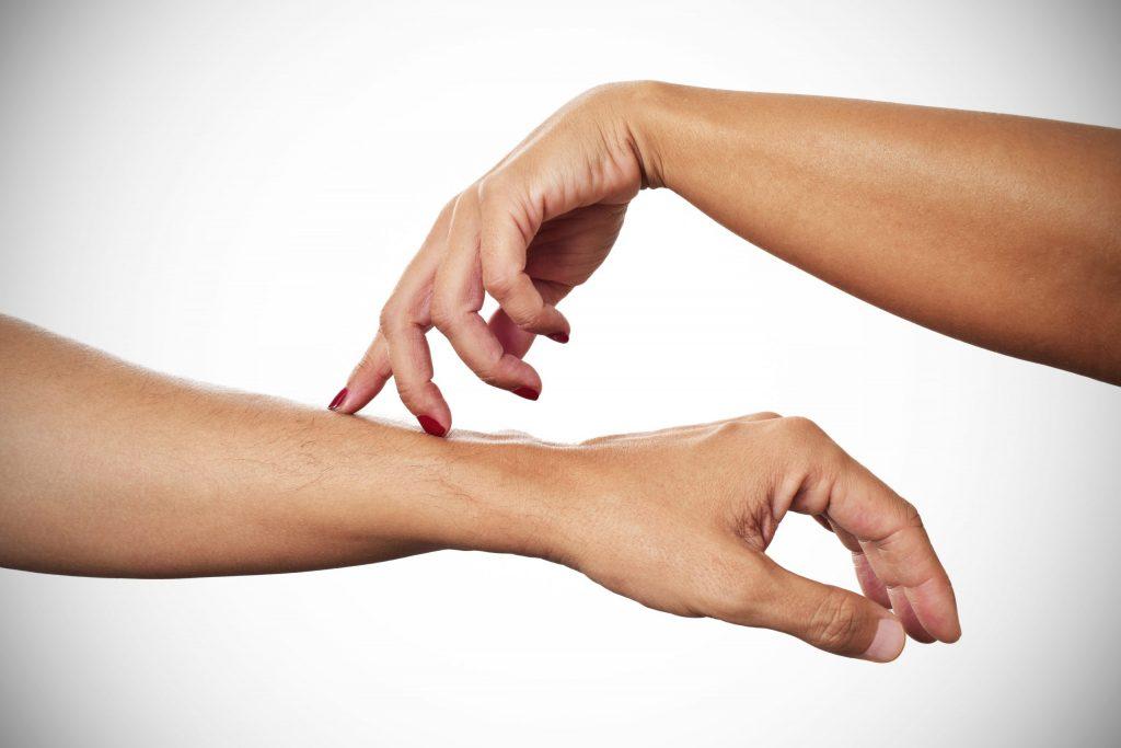 Furnicaturile in maini – posibile cauze